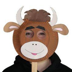 Maschera da toro con piatti carta