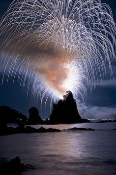 Photographic Art :: (25 Years) Heisei Bentenjima Big Eruption ~ Nachikatsura-cho Fireworks @ Wakayama Nachikatsura-cho 2013-08-11, Japan - by masa5901 on Flickr