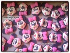 Fondant Minnie Mouse cupcake toppers For info & orders email sweetartbfn@gmail.com Minnie Mouse Cupcake Toppers, Mickey Minnie Mouse, Edible Cake, Preserves, Fondant, Icing, Period, Cake Decorating, Faces