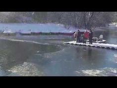 Πήδηξε γυμνός σε παγωμένη λίμνη για να σώσει το σκύλο που είχε κολλήσει στο πάγο [Video] - All About Dog