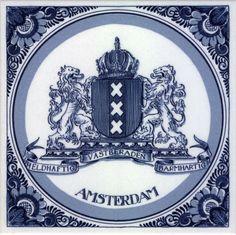 Delfs blauw tegeltje met logo Amsterdam