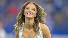A look back at our favorite cheerleaders of the 2018 NFL season. They can cheer for us anytime! Nfl Cheerleaders, Cheerleading, Megan Fox Photos, Olympic Badminton, Nfl Season, Ana White, Sport Girl, Looking Back, Olympics