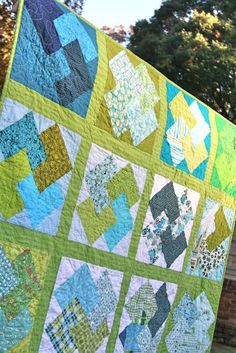 card trick block quilt - very simple block pattern.  might just try this one!