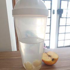 Lanchinho da manhã : maçã e água de  gengibre  !  #secavaca30dias2 #secavaca #vamosemagrecer #emagrecimento #emagrecer #comoemagrecer #ficarmagra #fit #fitness #vidasaudavel #lifestyle #saude #saudeebemestar #reeducaçãoalimentar #dieta #endomorph #emagrecendocomsaude