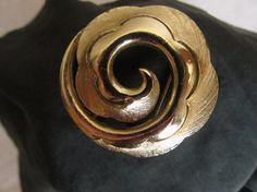 Round vintage brooch squiggly pin 1960's gift by SuziLovedtoSave