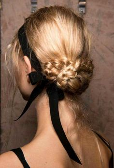 Spring 2017 Hair Trends - Hair Ideas And Hairstyles From Backstage Spring Runway.Spring 2017 Hair Trends - Hair Ideas And Hairstyles From Backstage Spring Runway. My Hairstyle, Bride Hairstyles, Pretty Hairstyles, Ribbon Hairstyle, Updo Hairstyle, Hairstyles 2018, Tied Up Hairstyles, Ribbon Braids, Evening Hairstyles