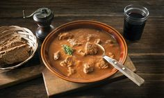 Crockpot Goulash Easy recipe cooked entirely in your crockpot! Crockpot Goulash Recipe, Beef Goulash Soup, Goulash Recipes, Slow Cooker Recipes, Crockpot Recipes, New Recipes, Cooking Recipes, Slow Cooking, Favorite Recipes
