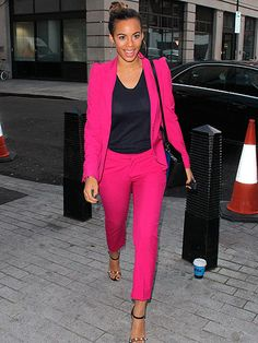 Rochelle Humes decided to add a pop of colour to her day with this fuchsia pink coordinating suit Black Women Fashion, Pink Fashion, Colorful Fashion, Fashion Looks, Fashion Outfits, Pink Trousers, Trouser Suits, Pink Suits Women, Rosa Style