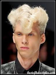 Medium blonde hairstyles for guys 80s Hairstyles Male, Blonde Haircuts, Cool Haircuts, Cool Hairstyles, Hairdos, Fashion Hairstyles, Hairstyles Pictures, Male Haircuts, Dark Roots Blonde Hair