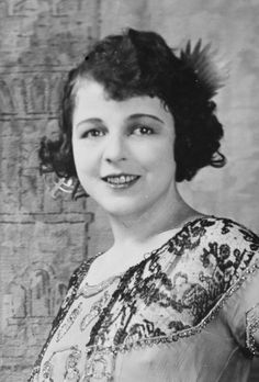Olga Golden Age Of Hollywood, Classic Hollywood, Lois Wilson, Classical Hollywood Cinema, Ancient Goddesses, Mother Goddess, 12 Image, Silent Film, Show Photos