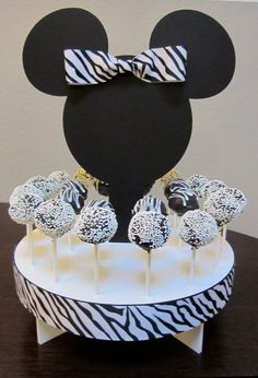 Minnie Mouse cake pop holder