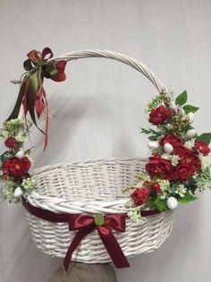Картинки по запросу великодній кошик декор Xmas Crafts, Easter Crafts, Decor Crafts, Diy And Crafts, Decorated Gift Bags, Diy Gift Baskets, Diy Ostern, Ring Pillow Wedding, Newspaper Crafts