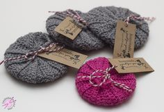 Little Gifts, Diy And Crafts, Homemade, Christmas Ornaments, Knitting, Holiday Decor, Crochet, Soap, Sweet