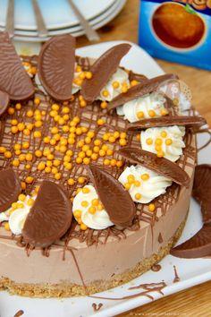Ultimate Chocolate Cheesecake No Bake Terry S Chocolate orange Cheesecake Jane S Patisserie Chocolate Orange Cookies, Chocolate Orange Cheesecake, Chocolate Frosting, White Chocolate, Chocolate Cake, Köstliche Desserts, Delicious Desserts, Dessert Recipes, Yummy Food
