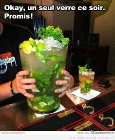 Funny pictures about Giant mojito. Oh, and cool pics about Giant mojito. Also, Giant mojito photos. Party Drinks, Fun Drinks, Yummy Drinks, Alcoholic Drinks, Beverages, Yummy Food, Tasty, Party Party, Party Time