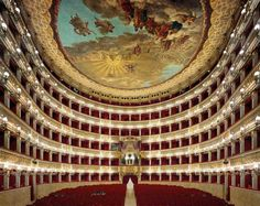 DAVID LEVENTI - Teatro di San Carlo, Napoli. Italy Fujicolor crystal archive 101,6 x 127 cm