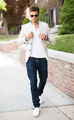 Blazer and jeans outfit for men's fashion menswear, fashion mode, mens fashion Blazer Jeans, Look Blazer, Beige Blazer, Linen Blazer, Cream Blazer, Men's Jeans, Fashion Mode, Look Fashion, Fashion Outfits