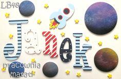 matati, pracownia matati, rękodzieło, handmade, pokój dziecka, pokój dziecięcy, drewniane literki, janek, aranżacja, kosmos, planety, gwiazdy