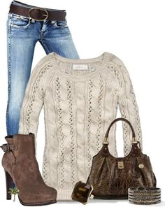 Cozy sweater, simple everyday look for fall/winter. Cute!