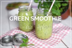 Green Smoothie mit Kiwi und Apfel - lecker im Ball Mason Glas