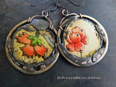 RESERVED Reversible vintage floral tin by DiPiazzaMetalworks Unusual Jewelry, Modern Jewelry, Metal Jewelry, Jewelry Art, Antique Jewelry, Jewelry Gifts, Vintage Jewelry, Jewelry Design, Bohemian Style Jewelry