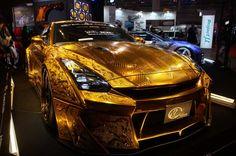「東京オートサロン 2016」ゴールドに輝く日産「GT-R」