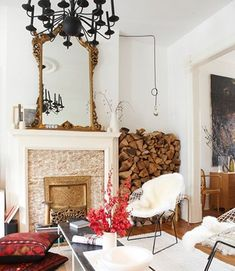 After looking at billions of interior design photos, I have deduced that my style is boho earthy modern chic. What is boho earthy modern chic (BEMC)? Interior Design Inspiration, Home Decor Inspiration, Design Ideas, Interior Ideas, Home Living Room, Living Spaces, Home Theaters, Estilo Interior, Casas Interior