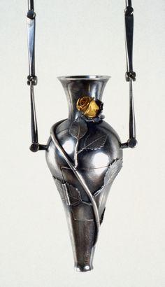 Lisa Gralnick : Gralnick Image Galleries : Reliquaries 1992-1996