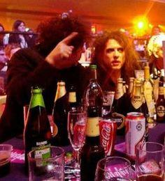 Robert Smith et Tim Burton Tim Burton, Robert Smith Musician, The Cure Band, Boys Keep Swinging, What About Bob, Robert Smith The Cure, James Smith, I Robert, Beautiful Lyrics