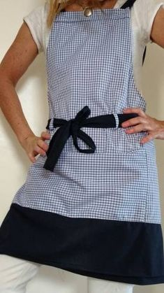 Master Gardener And Grade Apron. - Master Gardener And Grade Apron. Sewing Aprons, Sewing Clothes, Diy Clothes, Clothes For Women, Dress With Shawl, Kitchen Aprons, Love Sewing, Matching Outfits, Ladies Dress Design
