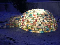 Le Rainbow Igloo, l'igloo multicolore à base de briques de lait congelées !