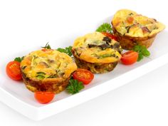 These delicious Baked Egg Muffins can be tweaked to your taste buds liking! For 12 muffins, double the batch. Vegetarian Frittata, Vegetable Frittata, Make Dog Food, Homemade Dog Food, Lunch Recipes, Dog Food Recipes, Baking Recipes, Omelette Legume, Egg Muffins