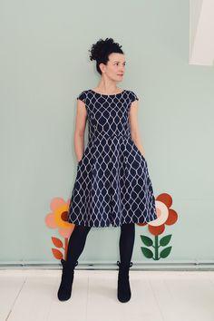 Entdecke lässige und festliche Kleider: KLEID DAISY MOONRISE MESH MIT TASCHEN made by Bonnie & Buttermilk via DaWanda.com