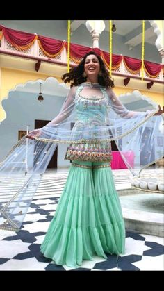 Party Wear Indian Dresses, Indian Gowns Dresses, Indian Bridal Outfits, Dress Indian Style, Indian Fashion Dresses, Indian Wedding Outfits, Indian Designer Outfits, Indian Wear, Bride Indian