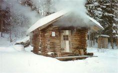 Old Fashioned Wood Stove Sauna! Wood Tub, Tiny Cabins, Log Cabins, Sweat Lodge, Outdoor Sauna, Finnish Sauna, Steam Sauna, Shower Cabin, Good Old Times