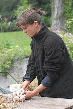 Step By Step Garlic Braiding
