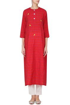 ROUKA Red Bird Motif Embroidered Tunic Dress. Shop now! #tunic  #dress#indianfashion#red  #indiandesigners #fashion #embroidered #perniaspopupshop #happyshopping