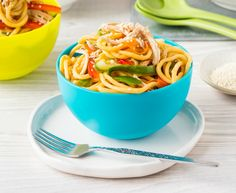 For a nut/dairy/egg free way to get more veggies into your fussy eaters – these Honey Soy Chicken Veggie Noodle Bowls are a must try. Beef Recipes For Dinner, Chicken Recipes, Cooking Recipes, Healthy Mummy Recipes, Honey Soy Chicken, Fussy Eaters, Picky Eaters, Veggie Noodles, Clean Eating Dinner