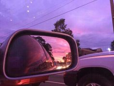 It's amazing how the sky color changed in few minutes City Aesthetic, Purple Aesthetic, Aesthetic Photo, Aesthetic Pictures, Night Aesthetic, Hipster Vintage, Style Hipster, Vaporwave, Roses Tumblr