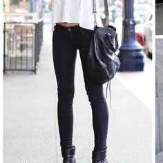 Black skinny jeans Super cute black skinned GAP Jeans Skinny