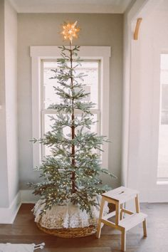 christmas tree pictures Our Bohemian Romance inspired Christmas Tree Reveal- with Balsam Hill Alpine Christmas Tree, Skinny Christmas Tree, Minimalist Christmas Tree, Christmas Tree Pictures, Christmas Tree Inspiration, Cottage Christmas, Farmhouse Christmas Decor, Rustic Christmas, Christmas Home