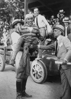 11 marzo 1928. Prima vittoria internazionale per Nuvolari, su Bugatti, nel GP di Tripoli