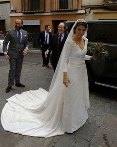 https://www.hola.com/imagenes/novias/20171125102494/casilda-medina-boda/0-511-187/novia-z.jpg