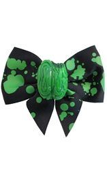 Zombie Brian Hair Bow single black green splattered ribbon with bitten green zombie brain charm from Truly Twisted Zombie Brains, Jewelry Accessories, Fashion Accessories, Guns And Roses, Gothic Outfits, Headgear, Hair Jewelry, Gothic Fashion, Halloween