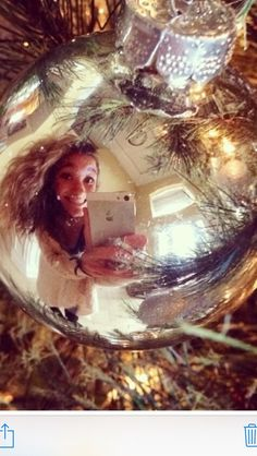 Cute idea for a Christmas selfie