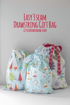 Diy Geschenk Basteln - This DIY Easy 3 seam Drawstring Gift Bag is a perfect way to go green this Chris. Easy Sewing Projects, Sewing Projects For Beginners, Sewing Hacks, Sewing Tutorials, Sewing Crafts, Sewing Tips, Diy Projects, Bags Sewing, Diy Gifts Sewing