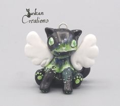 Hey, diesen tollen Etsy-Artikel fand ich bei https://www.etsy.com/de/listing/471962358/polar-light-cat-angel-polymerclay-animal