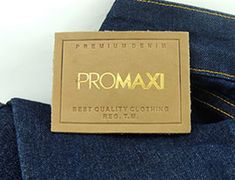Nossos Trabalhos - PROMAXI ETIQUETAS Moda Jeans, Fashion Tag, Fonts, Label, Design, Metals, Leather, Outfits, Tags
