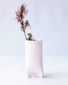 New colour in our workshop  #pink #ceramics #handmade #pinkporcelain #pigmentedporcelain #porcelain #flower #flowervase #pinkflower #handshaped #handbuilt #slabs #newcollection #newcolours #winter #inspiration