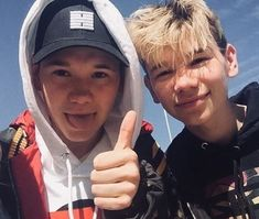 Twin Boys, My Boys, Bars And Melody, You Are My Life, Couple Outfits, My Everything, Cute Boys, True Love, Bff